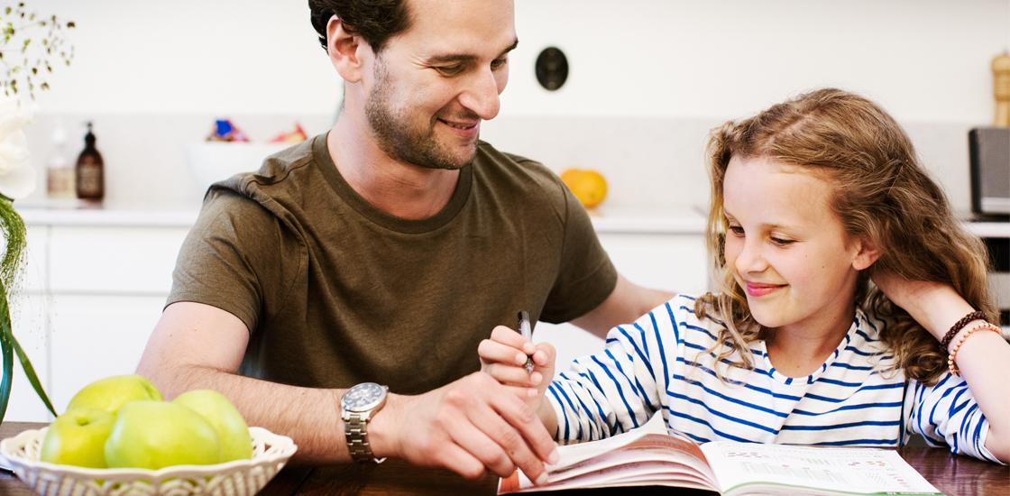 Банковская каточка поможет Вам научить ребёнка обращению с деньгами