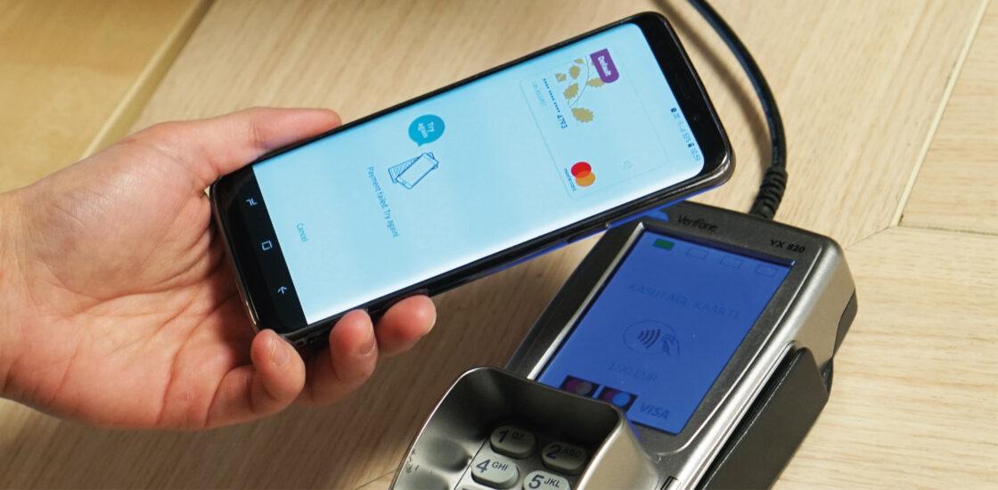 Swedbank предлагает мобильные бесконтактные платежи и бета-версию нового приложения