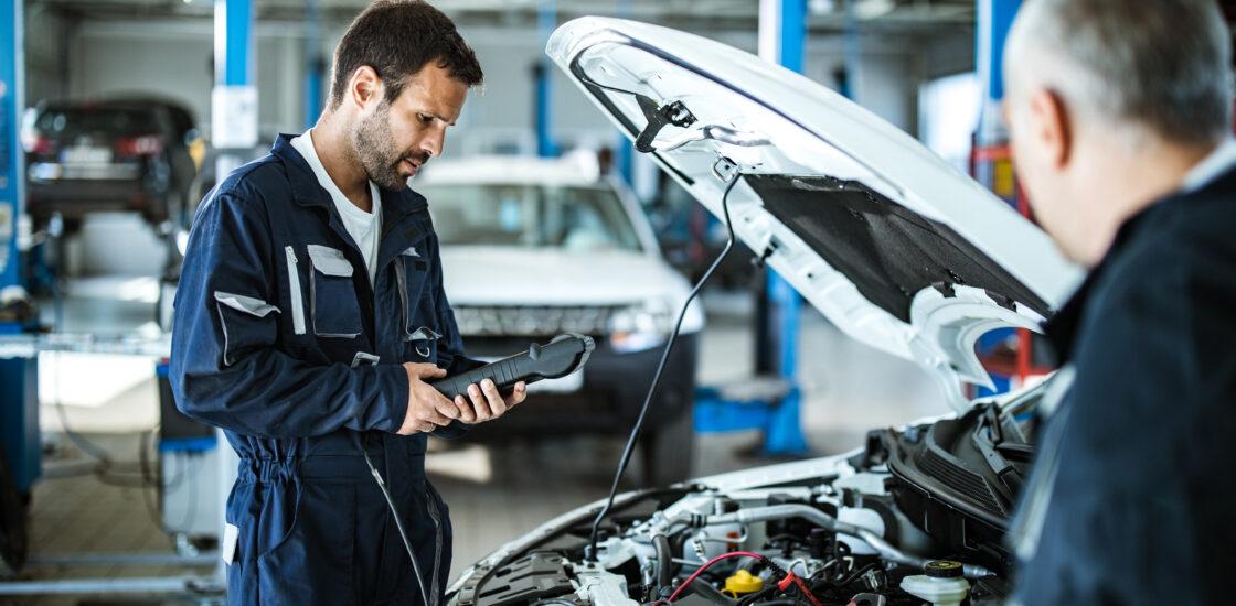 Nüüd saab sõiduki kahjustusi hinnata digitaalselt Caroom mobiilirakendusega